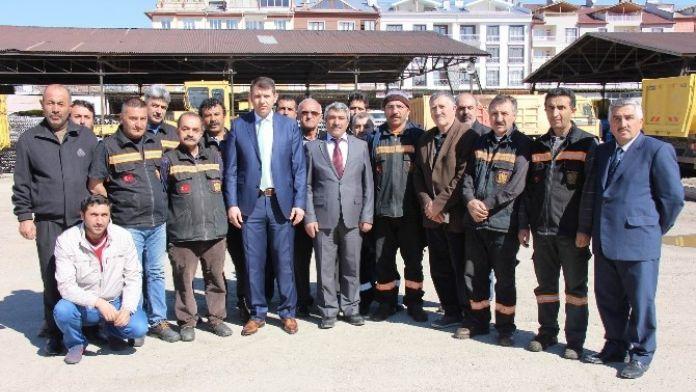 İl Özel İdaresi Genel Sekreteri Ayhan, Makine Parkını İnceledi
