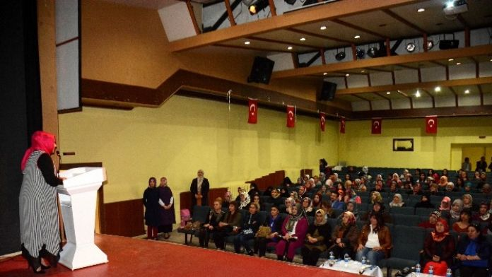 Aksaray'da 'Kadın Psikolojisi' Konferansı