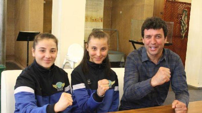 Akhisar'dan tekvandoda Avrupa şampiyonu kardeşlere kutlama