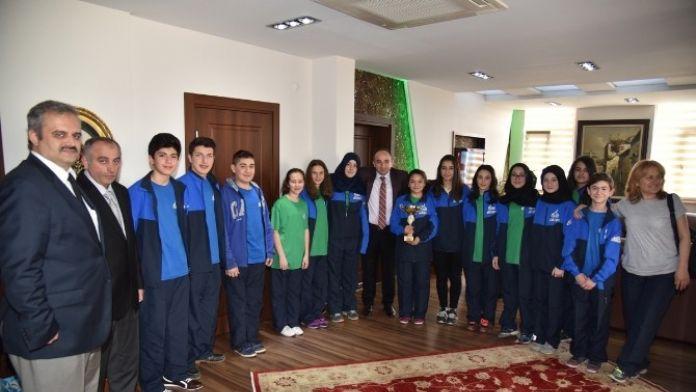 Başkan Üzülmez, Kocaeli Şampiyonlarını Ödüllendirdi
