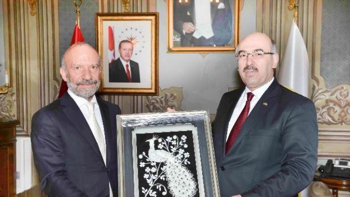 Girne Üniversitesi İle İstanbul Üniversitesi Arasında Akademik İşbirliği Protokolü İmzalandı