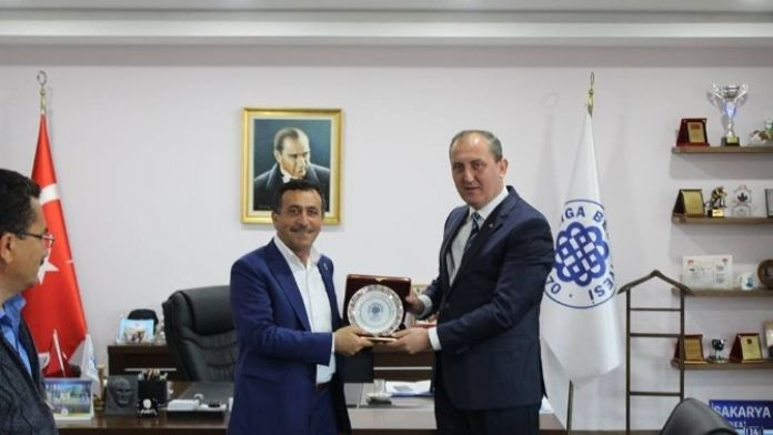 Toprakkale Belediye Başkanı Demirci, Başkan Işık'ı Ziyaret Etti