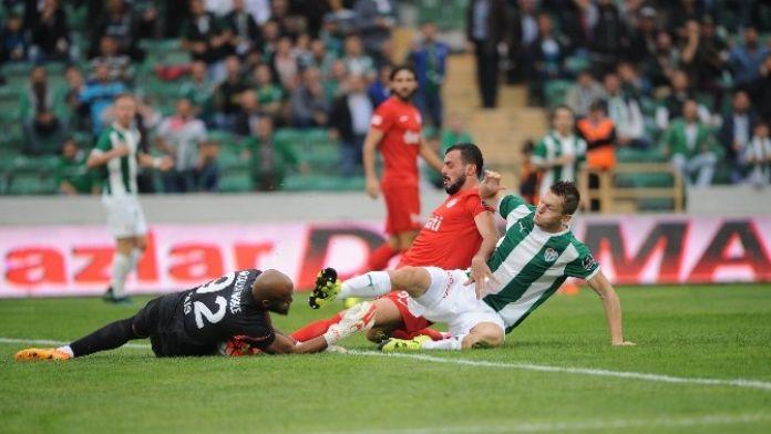 Bursaspor'a Antalya Uğurlu Geliyor