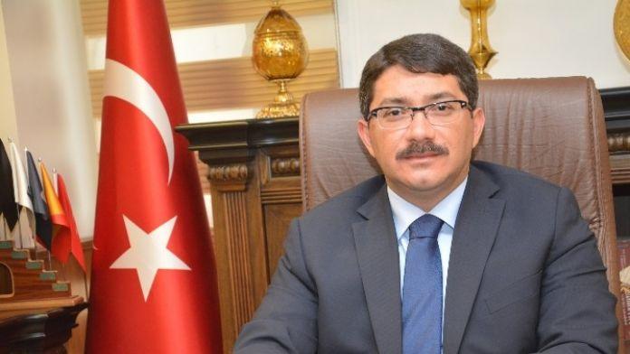 Başkan Çelik İstiklal Marşı'nın 95'inci Yılını Kutladı