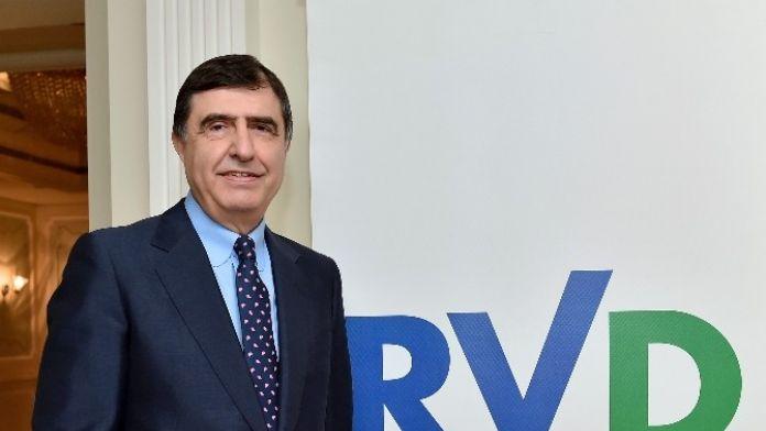 Ahmet Pura: 'Yumruk Sıkarsak El Sıkışamayız'