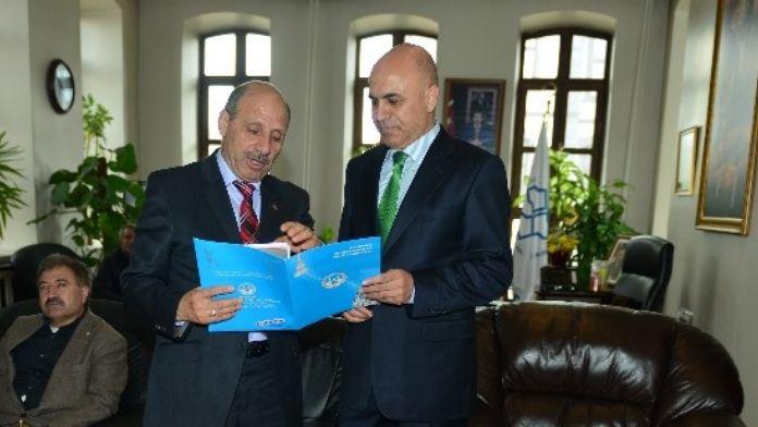 Ege Bölgesi Erzurum Dernekler Birliği Federasyonu Başkan Korkut'u Ziyaret Etti