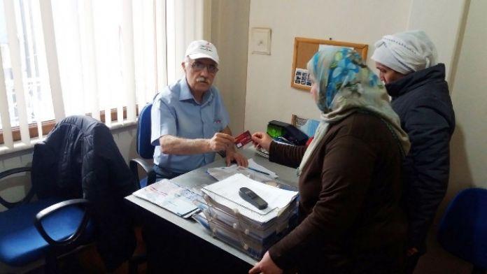 Sinop'ta Kızılay Kartı Dağıtımı Başladı