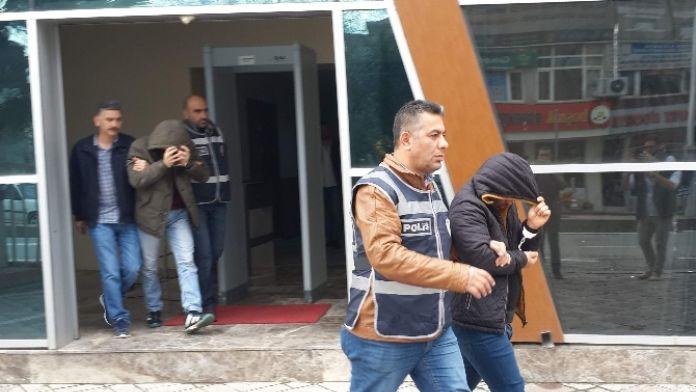 Kiralık araçla 7 ev soyan kişiler yakalandı