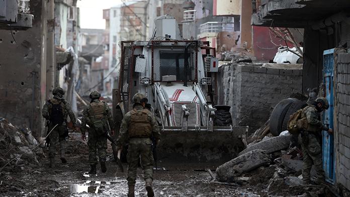 Şırnak İdil'de askerler ayrıldı, onlar geldi