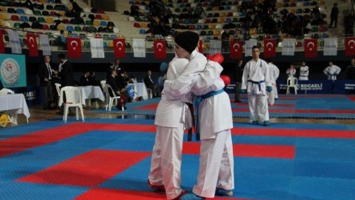 Kocaeli Büyükşehir Karate Ligi'nin 4. Etabı Yapılacak