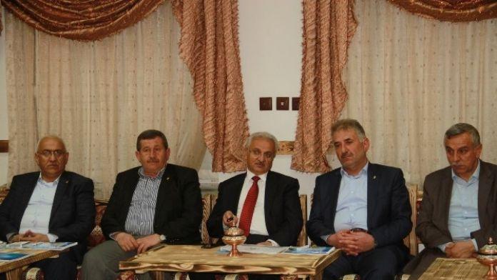 Başkan Başsoy Esnaf Ve Sanatkâr Odaları Birliği Oda Başkanlarıyla Bir Araya Geldi
