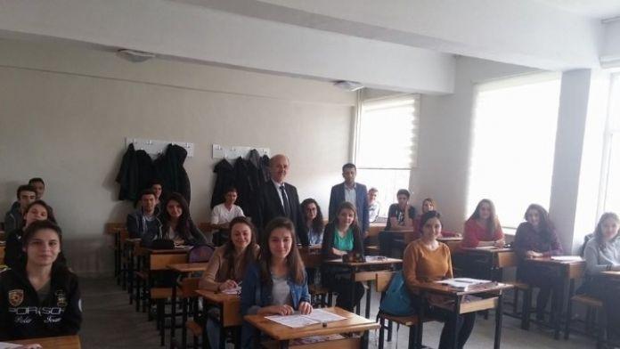 Milli Eğitim Müdüründen Öğrencilere Motivasyon Ziyareti