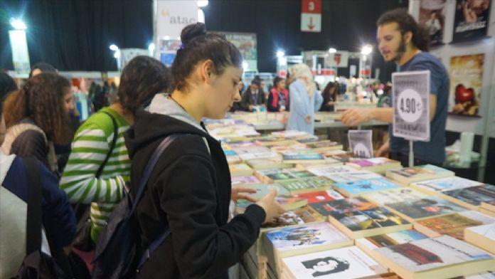 3. CNR Kitap Fuarı'na öğrenci akını