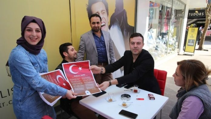 Adapazarı Belediyesi İstiklal Marşı Yazılı Broşür Dağıttı