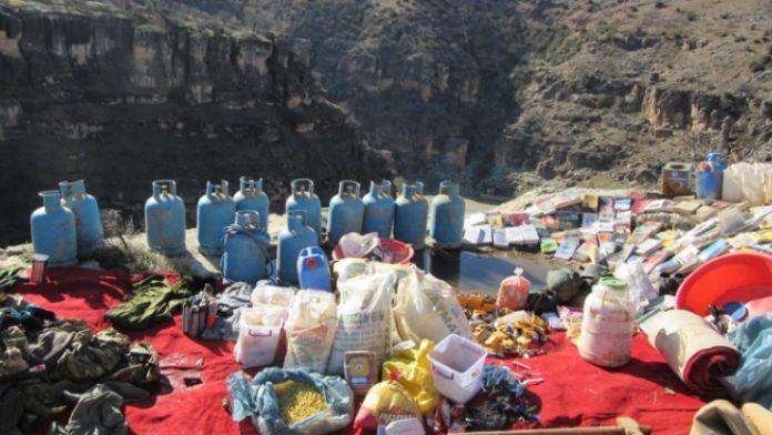 PKK'ya ait mağarada 6 ton malzeme ele geçirildi
