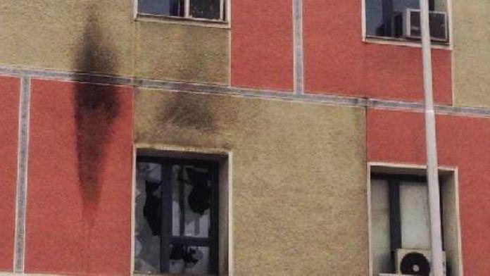 Kosova'da meclis binasına molotoflu saldırı