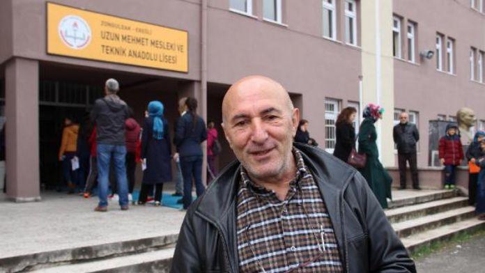 Sınava alınmayan eşyasını Atatürk büstüne bıraktı (2)