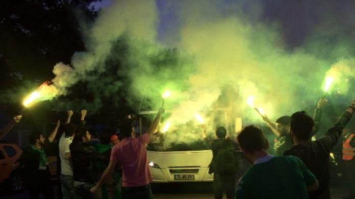 Bursaspor 3 Eksikle Antalya'ya Geldi