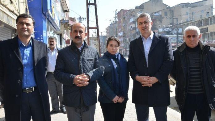 Yüksekova'da Hendek Ve Barikatların Olduğu Mahallede Patlama: 4 Yaralı