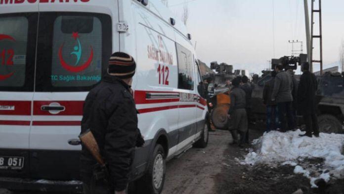Yüksekova'da patlama: 4 yaralı