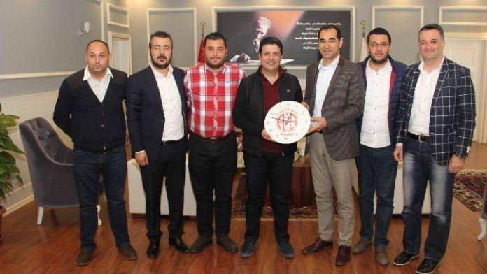 Büyük Antalyaspor Derneği'nden Başkan Genç'e Ziyaret
