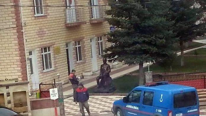 Kırşehir'de Atatürk Büstüne Saldırı