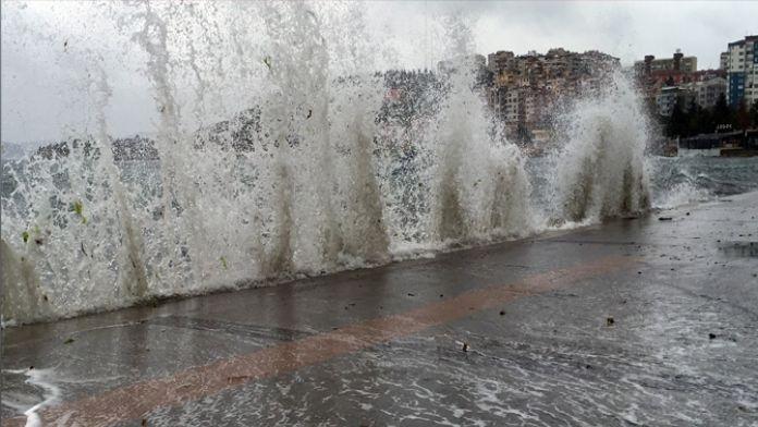 Çanakkale'de deniz ulaşımı durdu