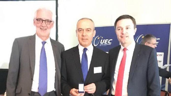 Bisiklet Federasyonu Başkanı Emin Müftüoğlu'na, Avrupa Kongresi'nde Liakat Madalyası verildi