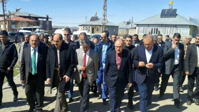 AK Parti'den Özalp Ve Saray'a Ziyaret