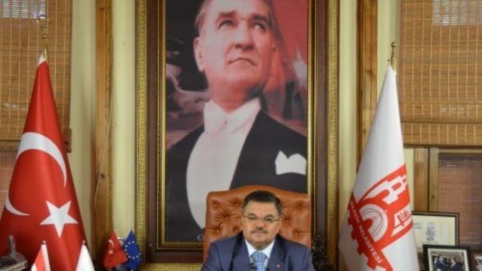Bilecik Belediye Başkanı Selim Yağcı, Kızılay Meydanındaki Saldırıyı Kınadı