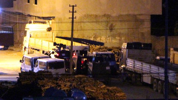 Evini terk edenlere PKK ateş açtı
