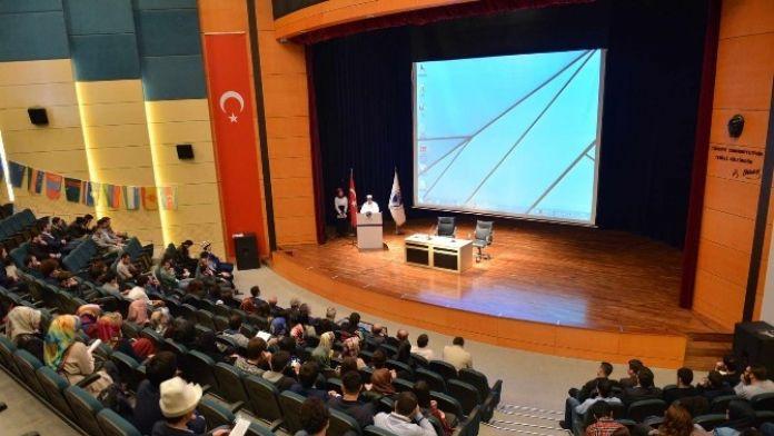 SAÜ'de 'İstiklal Marşı'nın Önemi' İsimli Konferans Düzenlendi