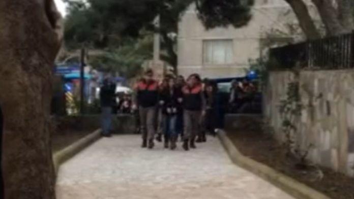 11 insan kaçakçısı tutuklandı