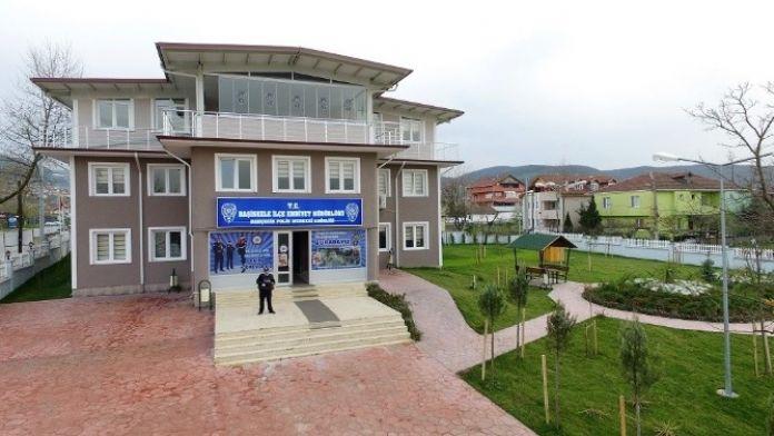 Bahçecik Polis Merkezi'nin Çevresi Düzenlendi