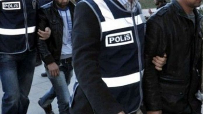 Polise saldırmışlardı, gözaltına alındılar