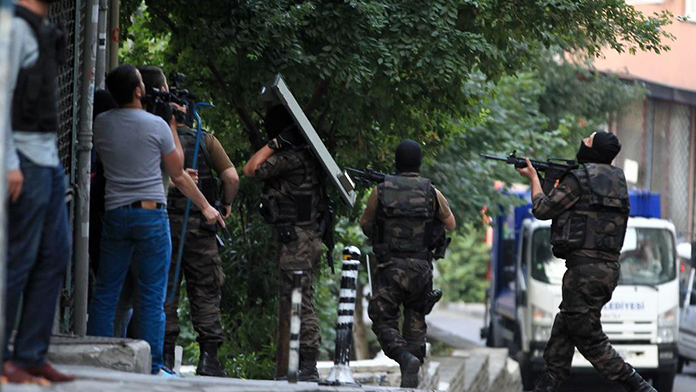 Ceylanpınar'da 10 PYD'li yakalandı