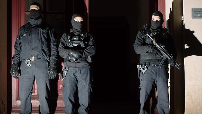 Antalya'da Terör Operasyonu: 24 Gözaltı