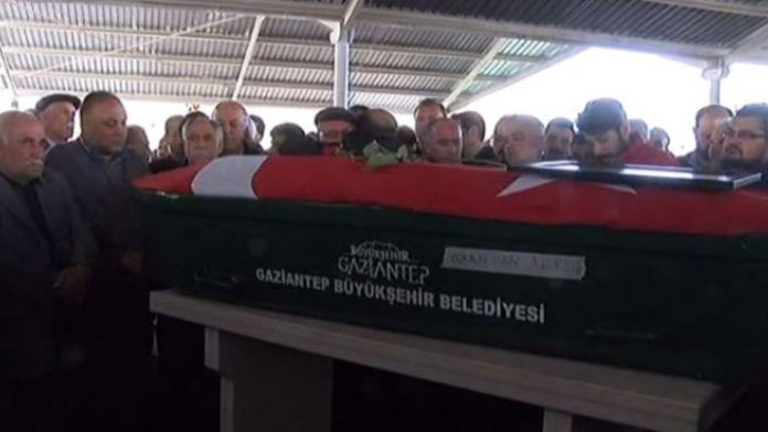 Ozancan'ın cenazesi tekbirler eşliğinde camiye getirildi
