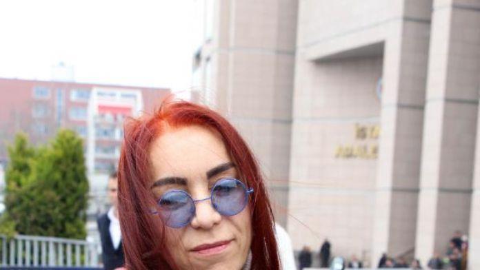 Sanatçı Leman Sam beraat etti (1)