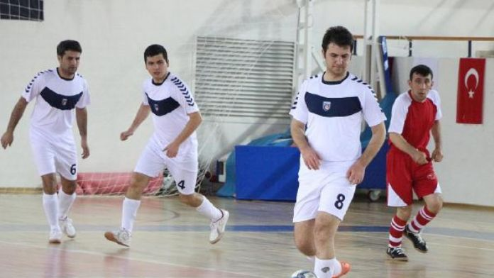 Kemer'de Görme Engelliler Futsal müsabakaları başladı