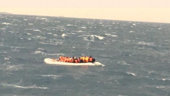 56 göçmen ölümden kurtarıldı