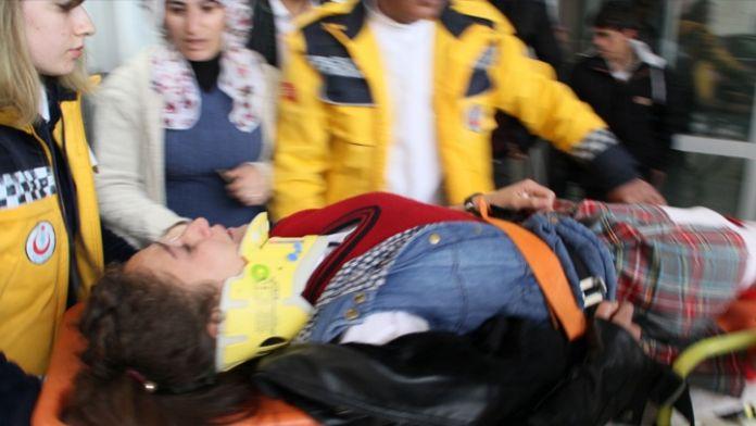 Okul servisi takla attı: 9 yaralı