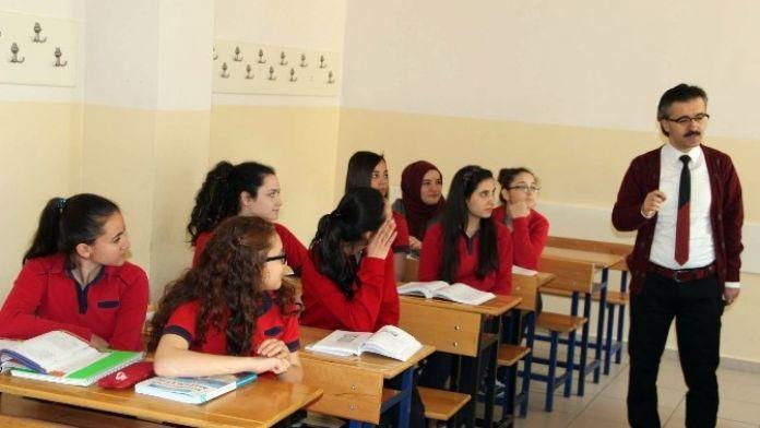 Nevşehirli Öğretmen İstiklal Marşı'na Klip Çekti