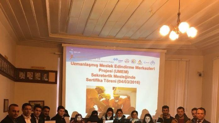 Kars'ta Kursiyerler Sertifikalarını Aldı