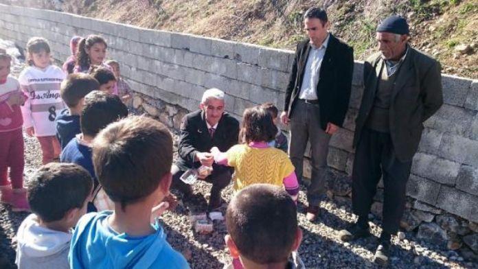 Hakkari'ye terör nedeniyle göç eden ailelere destek