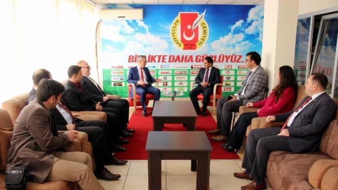 Smmm Odası Başkan Adayı Mustafa Arı Gazeteciler Cemiyetini Ziyaret Etti