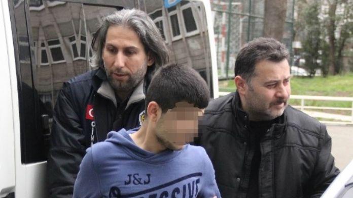 Karısını 7 Yerinden Bıçaklayan Koca Tutuklandı