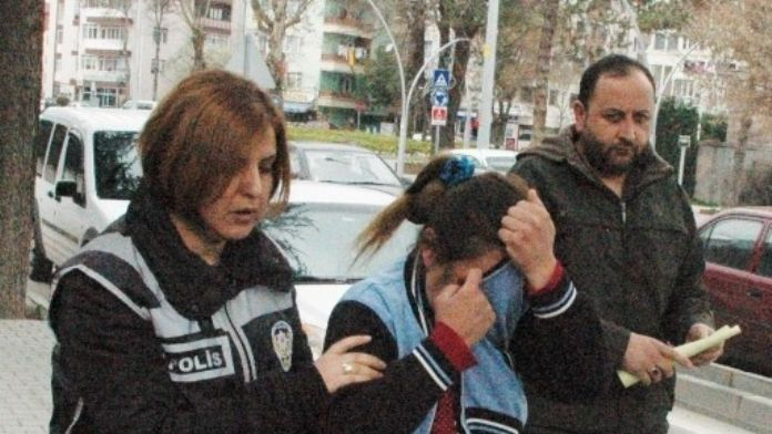 Bolu'da 2 Kadın Hırsız Suçüstü Yakalandı