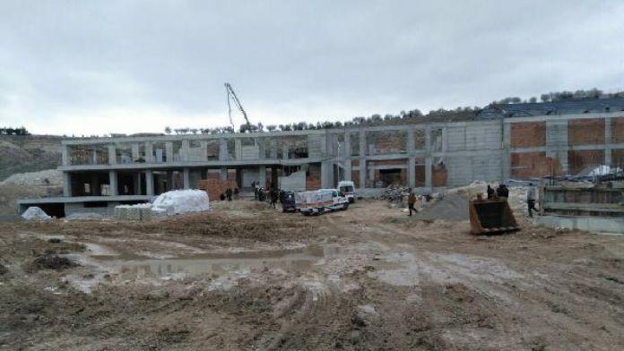 Kırşehir'deki huzurevi inşaatında göçük