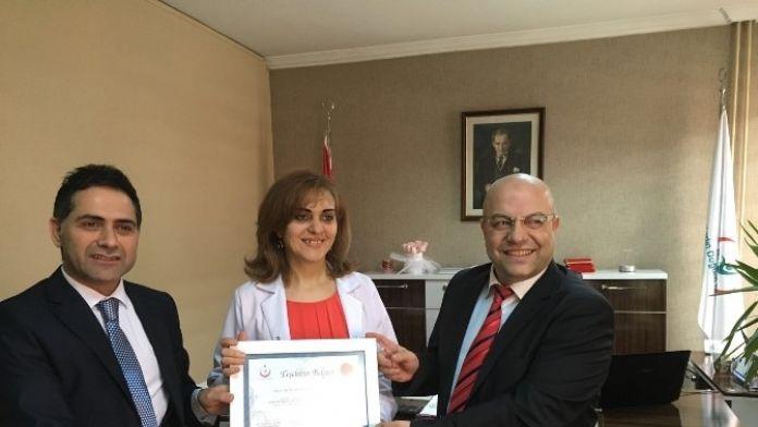 Erzurum'da Nenehatun Kadın Doğum Hastanesi Başhekimi Opr.dr.berrin Göktuğ Kadıoğlu Yılın Başhekimi Secildi